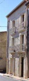 Charmante maison de village rénovée avec 4 chambres et grande terrasse avec vues.