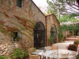 Demeure romantique avec maison indépendante parmis Mas Catalan authentique du XIXème siècle, 750m2