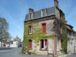 Belle maison de bourg situé à Saint-Benoit-du-Sault