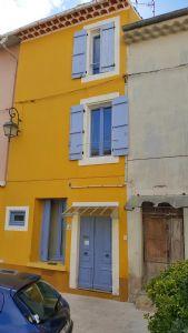 Jolie maison de village sympa et bien située, vendue meublée.