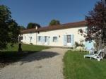 Longère de 1790 rénovée, garage et chai sur 1183 m² .