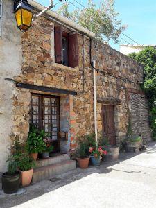 Charmante maison en pierres avec 2 chambres et superbe terrasse avec vues panoramiques !