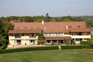 BAISSE DE PRIX !! 2 Pièces 60m2  duplex dans résidence avec piscine, tennis, parking privé.