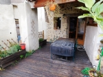 Maison de village avec terrasse, jardin et cave