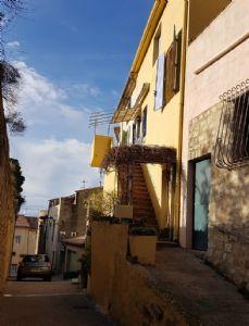 Maison de village de 115 m² habitables à moderniser avec possibilité de créer 2 habitations.
