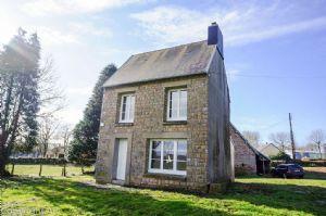 Maison en pierres sur 4228 m² de terrain