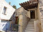 Propriété traditionnelle en pierre provençale plus de 500 ans située dans un hameau pittoresque