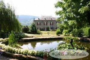 Propriété exceptionnelle, située au calme, avec Château, construit en 1850, rénové avec goût