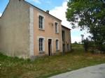 A vendre dans la Creuse une maison a renover, situee dans un beau hameau