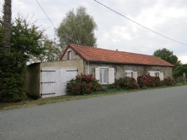 Maison individuelle avec 2 chambres et terrain à la campagne