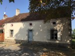 Cette ancienne maison traditionnelle à besoin d'une rénovation complète