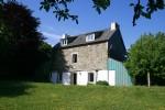 Maison à la périphérie du village, 3 chambres, 2 salles de bains, jardin privé