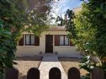 Charmante villa meublée de 93 m² habitables en parfait état sur 314 m² avec jolies vues.