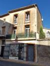 Charmant duplex rénové au centre du village avec 60 m² habitables et cour.