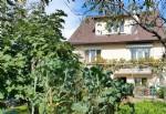 Spacieuse maison rénovée dans un spendide jardin, proche centre-ville et RER/SNCF