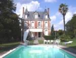 Sud Charente, Château 'Belle Epoque' sur 1 ha avec piscine et dépendances