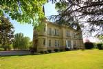 Château et dépendances dans parc 2 ha à 35 mn de Bordeaux
