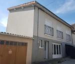 La Trimouille, Vienne 86: maison de village en bon etat avec garage