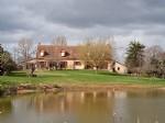 Belle maison spacieuse avec étang