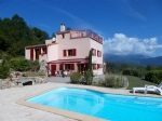 *Maison de campagne avec vue magnifique,piscine, 2 ha, 4 chambres, 4 SDD en pleine nature!