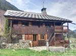 Une ancienne ferme rénovée, 6 chambres, 2 salles de bain, un mazot