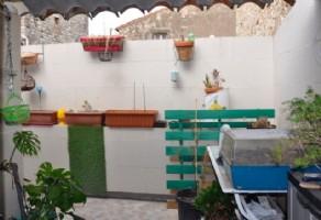 Charmante maison de village rénovée avec cave et terrasse.