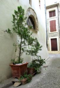 Jolie maison en pierres avec 2 chambres, terrasse et beaucoup de charme !
