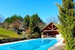 Proche Brive, ancienne grange restaurée de 230m², jardin 3000m², piscine