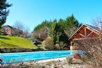 Proche Brive, maison en pierre restaurée de 230m², jardin 3000m², piscine