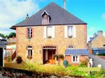 Normandie Maison divisée en 3 appartements. Idéal pour une famille nombreuse