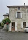 Jolie Maison de ville entièrement restaurée avec une grande grange et une cour. Dordogne.