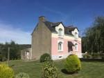 VENDU PAR L'AGENCE - Maison de bourg de 2 chambres avec sous-sol et garage - jardin