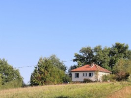 Belle maison située sur un colline, proche de Maubourguet