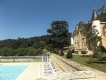 Château du 19 s. avec piscine, gîte et jardin