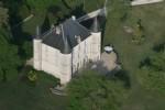 Château de 1817 avec dépendances sur 14 hectares de prairies et fôrets