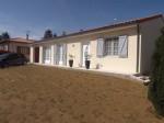 Brillac - Pavillon avec piscine, garage et beau jardin