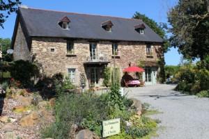 Maison à vendre plouasne, superbe maison en pierre, ideal chambres d'hôtes