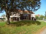 A vendre dans le Puy de Dome, pres de Pionsat, une grange renovee avec goût et jardin