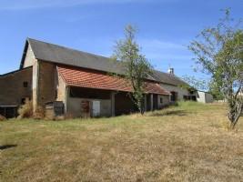 A vendre maison individuelle a renover dans la region Bazois en Bourgogne