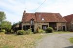 Cette maison est située proche de Bonnat, dans le nord de la Creuse, dans un petit hameau