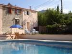 * Deux charmants cottages mitoyens, piscine, jardin, vues, parking, à deux pas du centre du village