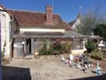 Petite maison indépendante au centre ville à Chaillac