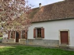 Maison de campagne avec grange et jardin clos