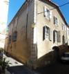 Grande maison divisée en 2 appartements lumineux avec garage dans un très joli hameau !