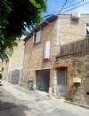 Ravissante maison de village en très bon état avec 110 m² habitables, cour et terrasse.