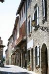 Dans un village très recherché, magnifique appartement plein de charme et accès à la rivière.