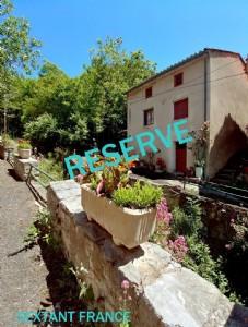 Maison De Village En Pierres Avec Jardin Privatif