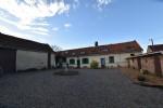 Ancien corps de ferme composé d'une habitation principale et 2 gites sur axe Hesdin/Abbeville