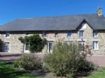 Jolie maison de campagne en pierre avec gite et jardin de presque 1 hectare