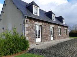 Maison indépendante avec 5 chambre, dépendance et terrain